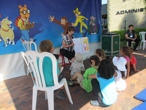 Story Teller's Stage Welcomes the Kids